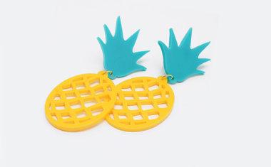 Brinco de abacaxi