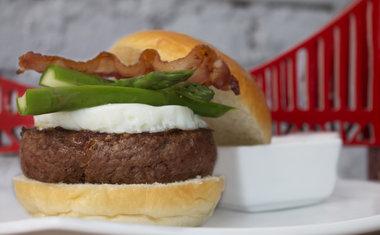 Castro Burger3.jpg