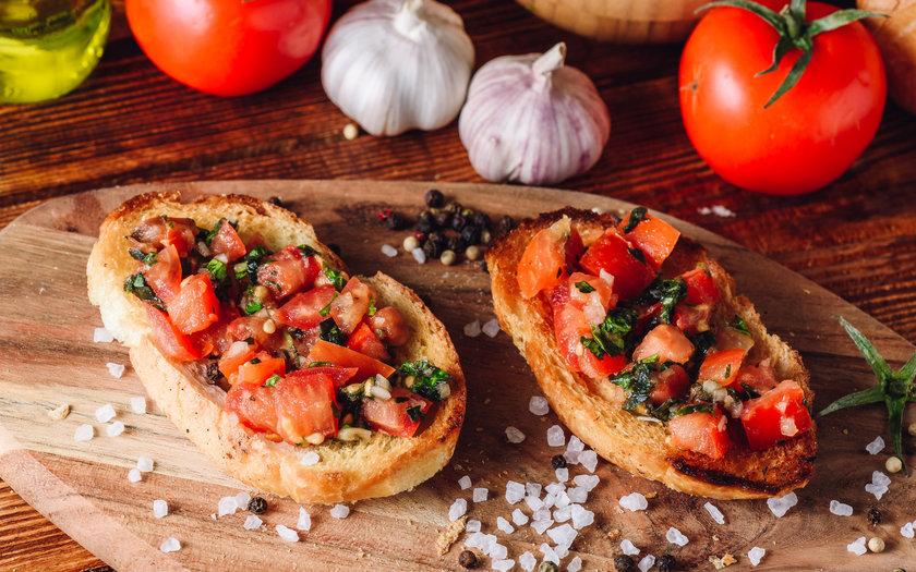 Bruschetta Tradicional de Tomate