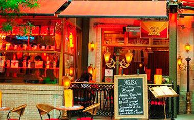 Petit Paris 6 Café & Bistrô