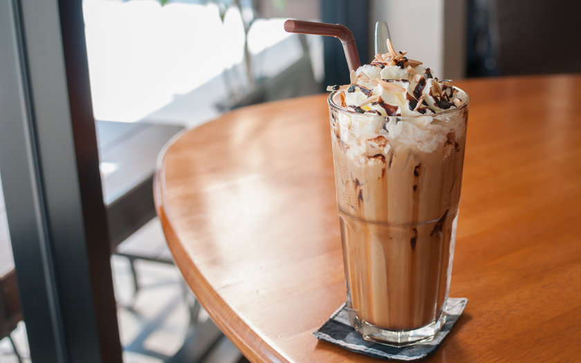 Milk-shake de chocolate com chantilly