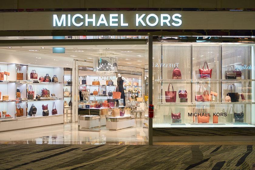 Outlets em São Paulo  9 marcas internacionais de luxo a preços mais  acessíveis 58d5444f748