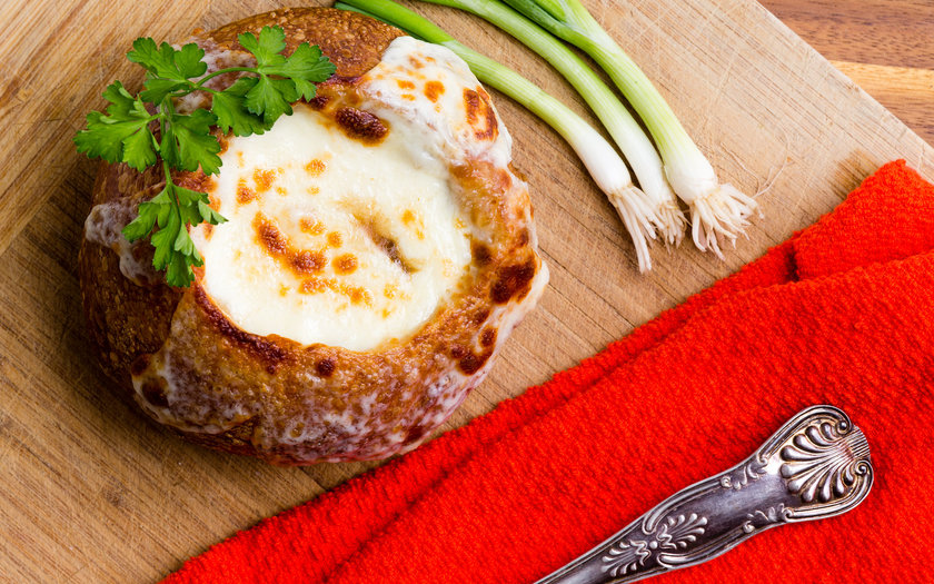 Sopa de Cebola Gratinada no Pão Italiano