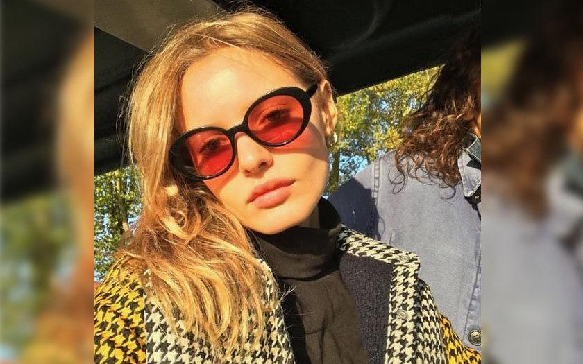 d893af6534914 Óculos com lente colorida voltou com tudo  saiba mais sobre a tendência