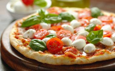 Pizza com Muçarela Búfala