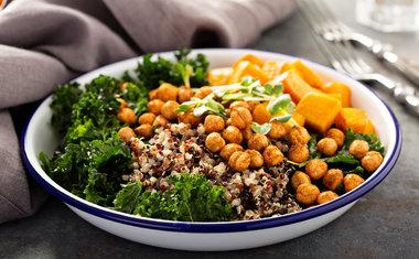 10 receitas de saladas com grãos que você precisa experimentar