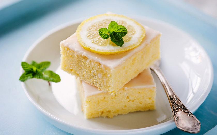 Bolo de limão e erva-doce