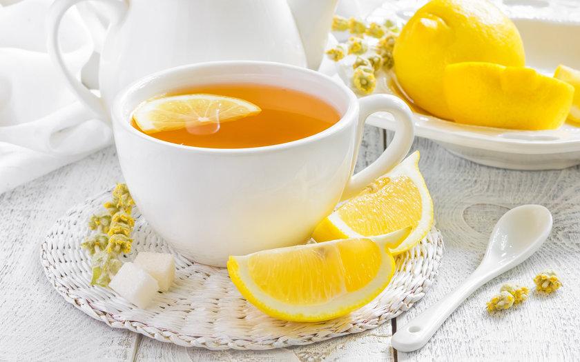 Chá de limão siciliano e capim santo