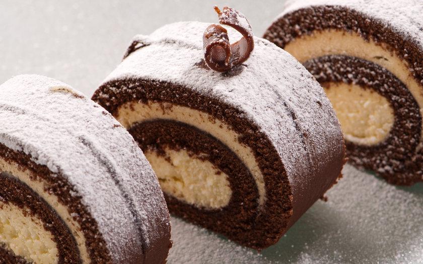 Rocambole de chocolate com sorvete