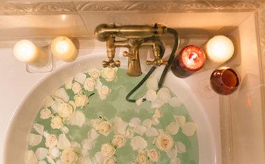 10 banhos energizantes que você precisa incluir na sua rotina