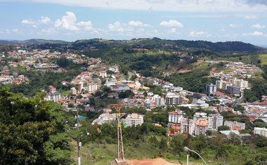 Aprecie a vista do Alto da Serra