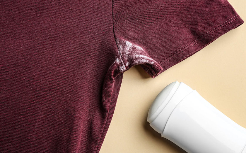 Como tirar manchas de suor, desodorante, antigas?