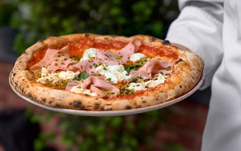 Pizza de mortadela
