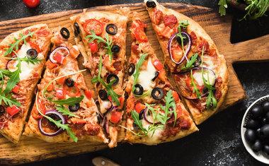 Pizzarias de São Paulo entregam pizzas para serem finalizadas em casa; veja três opções