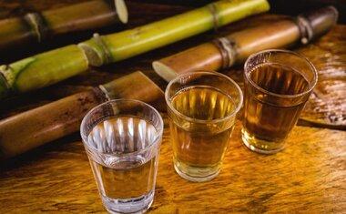 Dia Nacional da Cachaça: 5 bares em SP para aproveitar a data com uma boa e velha branquinha