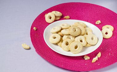 Sequilho de coco é ótimo para acompanhar o café da tarde; veja a receita!