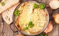 Receita de sopa de cebola gratinada é deliciosa e uma ótima pedida para os dias frios; veja o passo a passo!