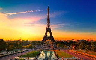 EUROPA: PARIS