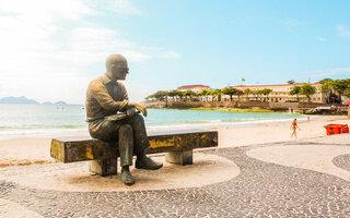 Conversar com Carlos Drummond de Andrade