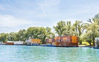 ArkaBarka Floating Hostel   Sérvia