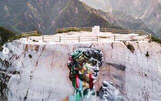 Davi   Carrara, Itália