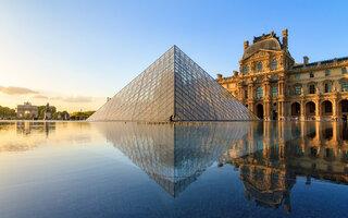 PARIS: MUSEU DO LOUVRE