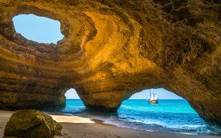 Praia e gruta de Benagil, Lagoa