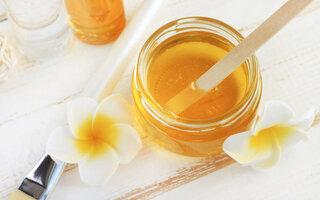 Hidratação de mel e açúcar para cabelos