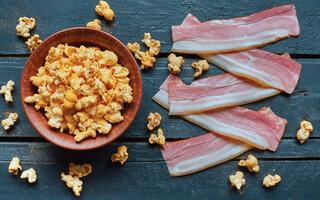 Pipoca apimentada com bacon