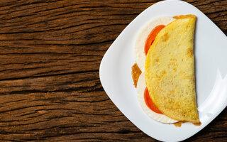 Tapioca de queijo branco e tomate