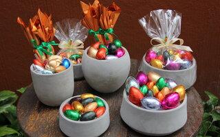 Vaso Redondo Cimento com ovos – Tchocolath