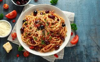 Spaghetti Alla Puttanesca Italiana
