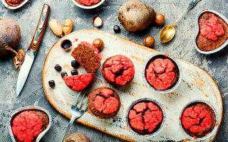 Minicupcake Colorido de Beterraba e Suco de Limão