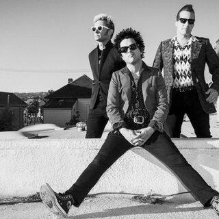 """Música:  Green Day lança novo álbum e anuncia filme de """"American Idiot"""""""