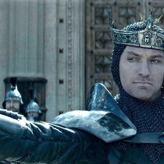 Cinema: Rei Arthur: A Lenda da Espada