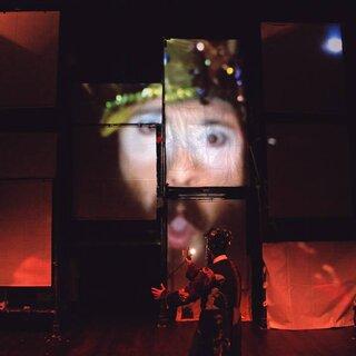 Teatro: Poema Suspenso para Uma Cidade em Queda