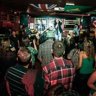 Bares: Bares e baladas com programação especial para o Dia do Rock em São Paulo