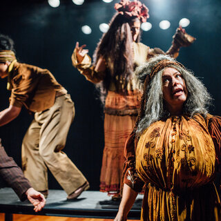 Teatro: A peça ao lado