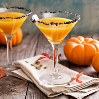 Bares: 6 drinks assustadores para servir na festa de Halloween