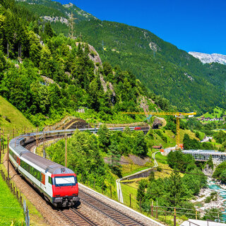 Viagens Internacionais: Nova linha de trem ligará Londres e Amsterdã a partir de abril