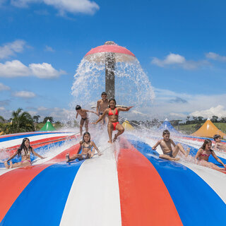Viagens Nacionais: 5 parques aquáticos próximos a São Paulo para se divertir no verão