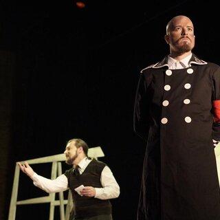 Teatro: Guardado em Silêncio