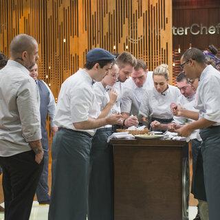 TV: MasterChef Profissionais: cozinheiros precisam reproduzir prato de restaurante nesta terça-feira (12)