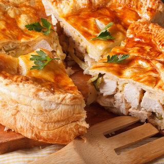 Receitas: Quiche de frango com queijo brie vai te surpreender pelo sabor; veja a receita!