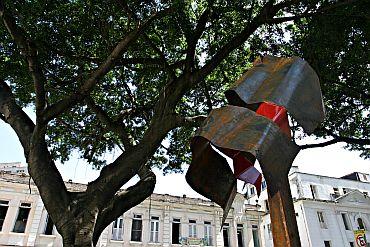 Escultura em homenagem a Edson Luiz Lima Souto