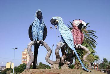 Pontos Turísticos Praça das Araras - Campo Grande - Guia da Semana cc67524e58a01