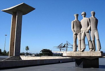 Mausoléu - Monumento aos Pracinhas