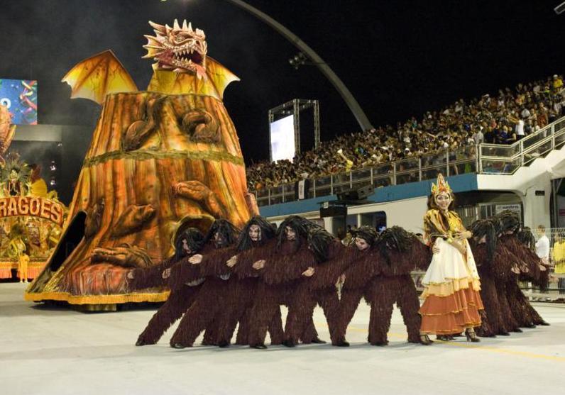 Na Cidade: Ensaios Dragões da Real 2013