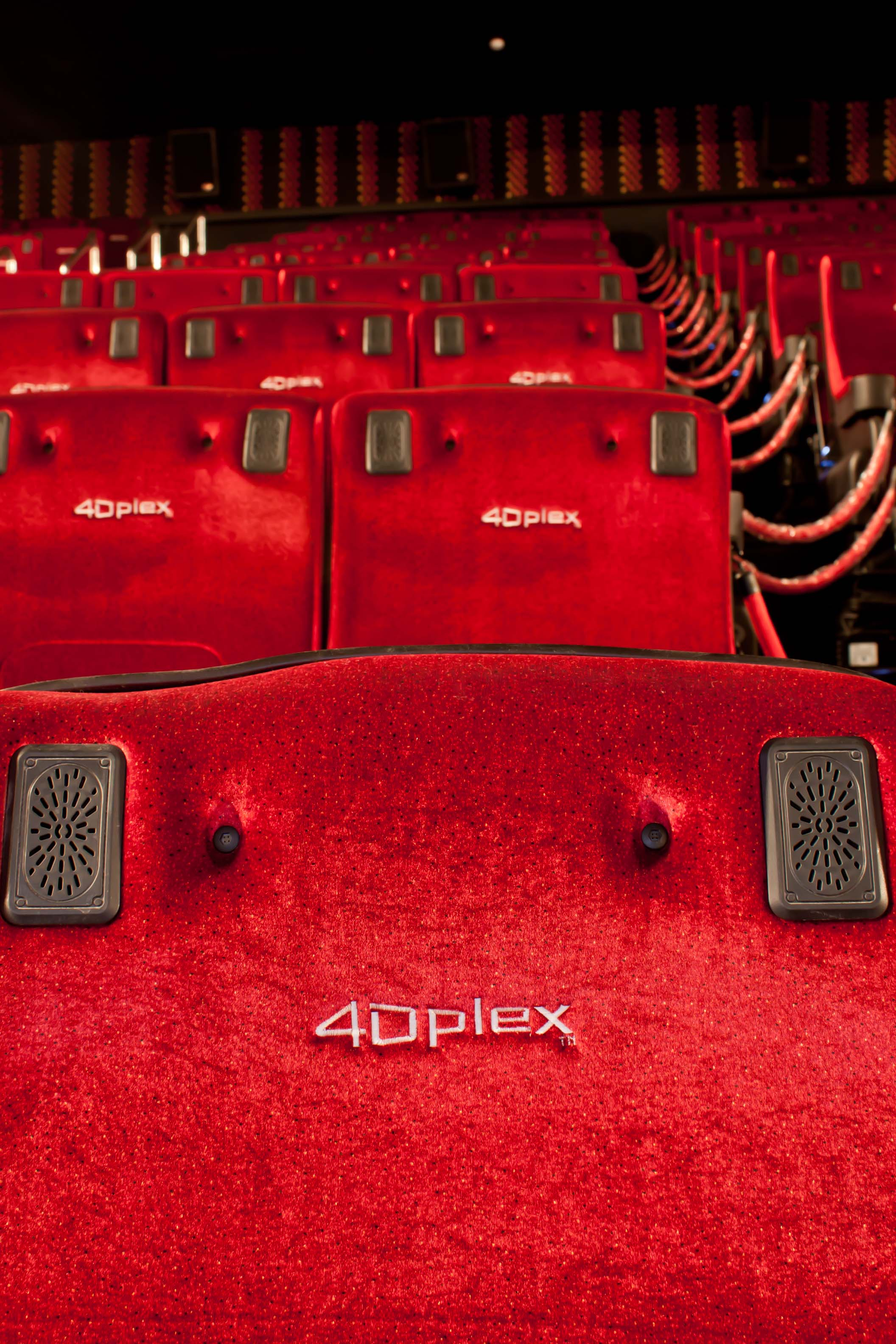 Cinema cin polis jk iguatemi s o paulo guia da semana for Sala 4dx opiniones