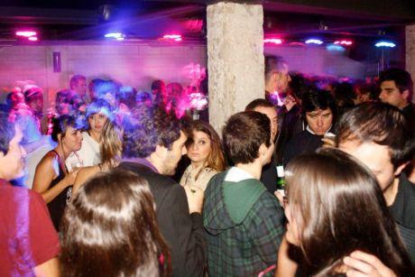 Alley Club